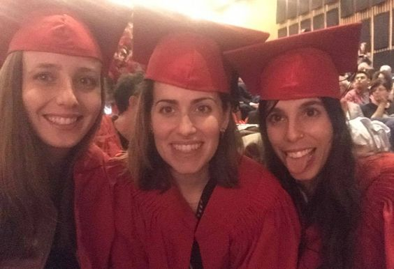 Tal Efraim (milieu) SHENKAR graduation mars 2017 ! avec Maya Shoshan (gauche)et Roni Liani (droite):