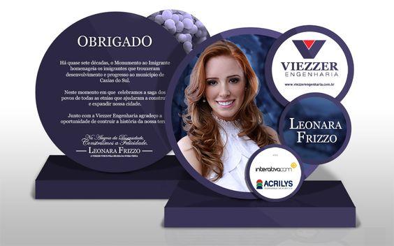 Troféu entregue aos presentes no evento de apresentação da candidata. #FestadaUva2014 #gift #propaganda