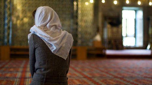 In Spanje is de afgelopen dagen een netwerk ontmanteld dat jonge vrouwen ronselde voor de strijd van Islamitische Staat. Dat gebeurde vooral via ...