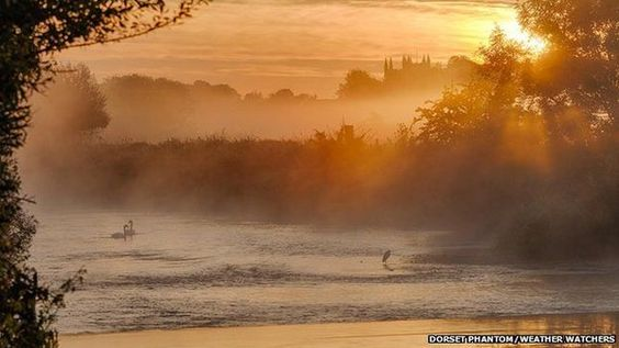 "BBC Weather Watchers: ""A very autumnal start to the week for Weather Watchers. Here's a selection of your magnificent mist pics: [click thru for link]"" : twitter 10/3/16"