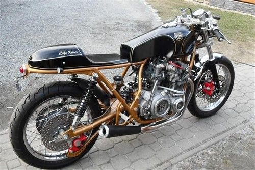 suzuki gs 500 cafe racer by mopako motorcycles. Black Bedroom Furniture Sets. Home Design Ideas