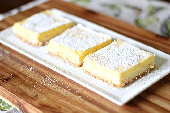 I LOVE Lemon Bars but have been ignoring them for too long.  Spring is here & now here's  recipe with only Weight Watchers Points Plus Value of 4!