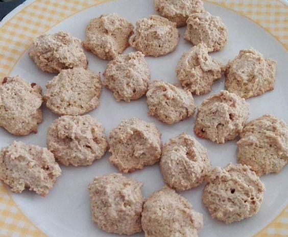 Receita Bolinhos de Mel e Aveia por AMPB - Categoria da receita Bolos e Biscoitos