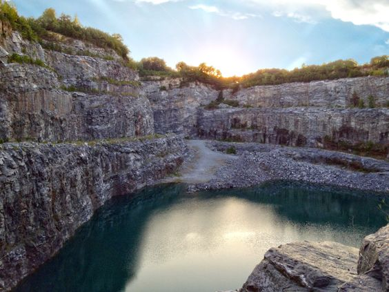 Is The Quarry In The Second Episode The Same Location As