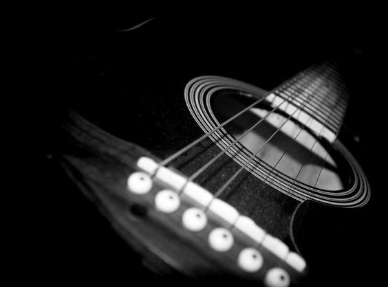 Aulas de violão acústico para iniciantes