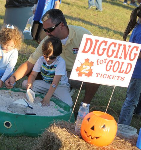 Planning the Ultimate Fall Festival - SignUpGenius