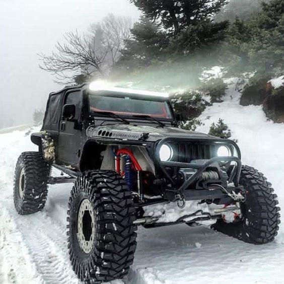 Snow Beast Jeep JK - https://www.pinterest.com/dapoirier/4x4-and-trucks/
