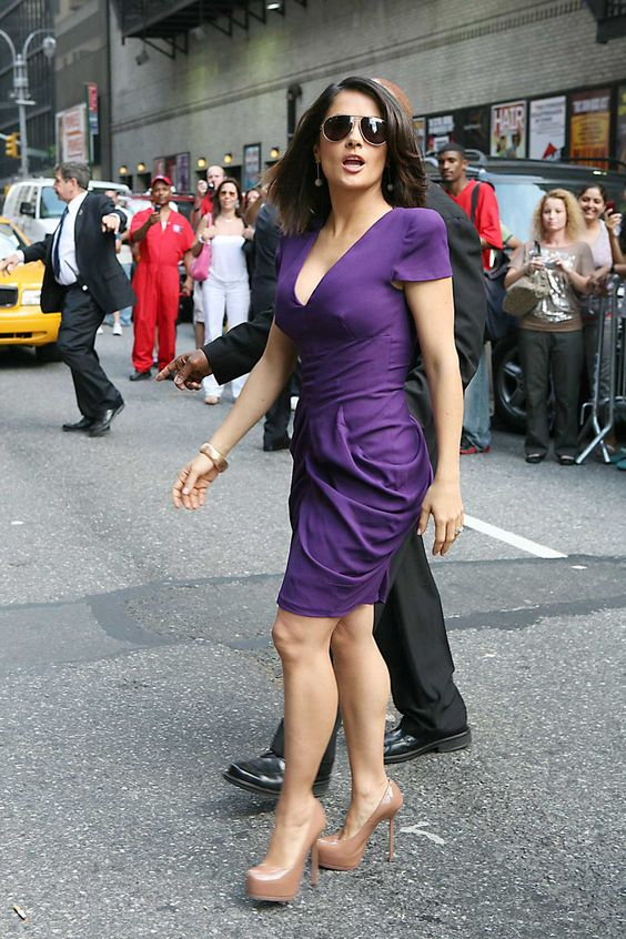 Fashion - Salma Hayek - Purple dress with nude heels | ☆Fashion ...