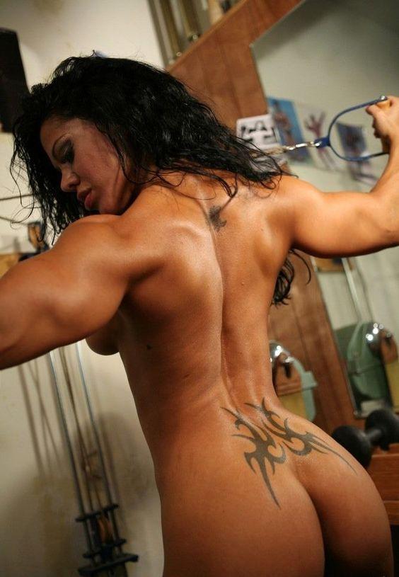 Wow, unglaublicher #Rücken und #Knackpo :) Mit #Ephedrin HCL schnell ungesundes Körperfett reduzieren! Hier kaufen: http://shredded-n.fit/E-HCL