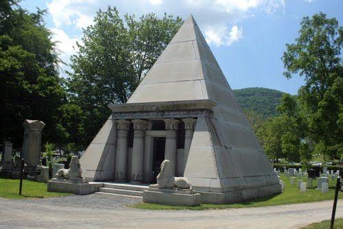 Mausoleum of Egbert Ludovicus Viele