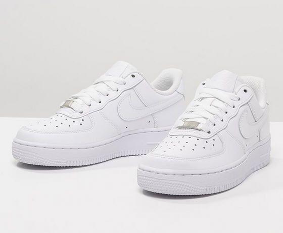 nike sportswear blanc