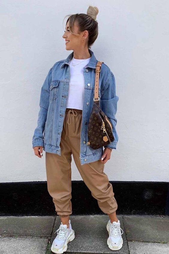 Look com muito estilo calça e jaqueta