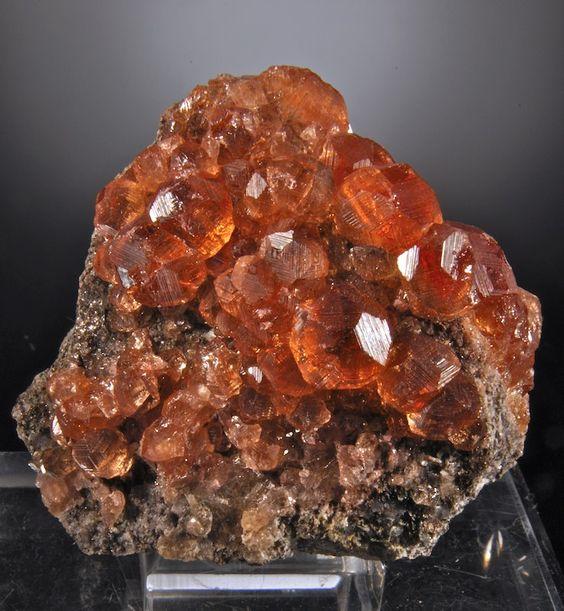 Grossular (gem Garnet)