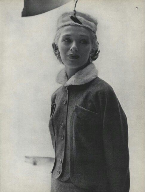 John Rawlings for Vogue (01 AUG 1948)