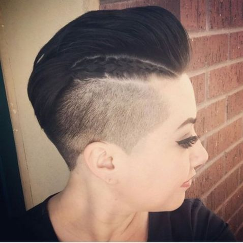 Short Mohawk With Closely Clipped Sides For Women In 2020 Mohawk Hairstyles Mohawk Hairstyles For Women Mohawk Haircut