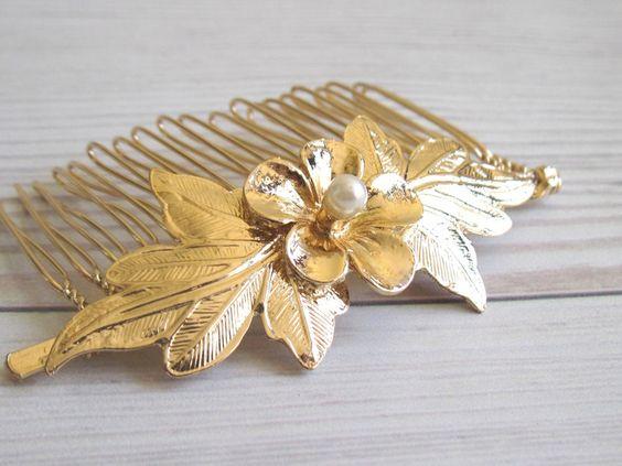 Goldblumenhaarkamm+mit+Perle++von+Custom+Handmade+Jewelry,+Vintage+and+Modern+Jewelry++auf+DaWanda.com