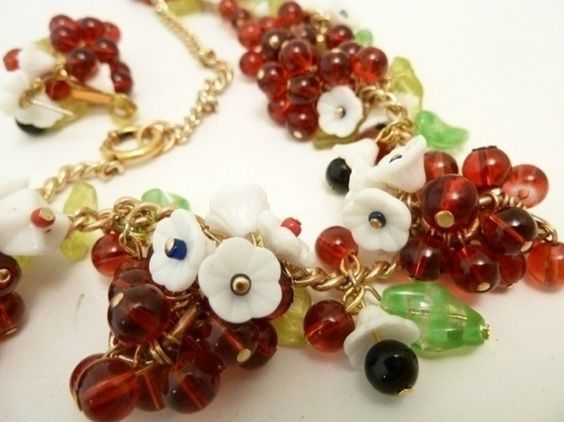 http://www.jeweldiva.com/vintage-deco-french-glass-necklace-earrings.html