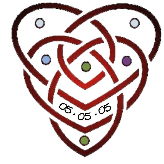 new tatt i'm working on... not sure what color i want the knot to be in yet. It's a celtic motherhood knot. The two hearts intertwined symbolize the bond between mother and child. the two dots at the top are for my mother and i, while the other four are for each of my kids. 05-05-05 is the date that i first found out I was going to be a mother :-)