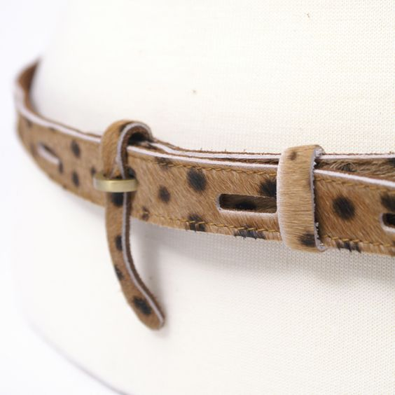 Walk on the wild side, Miss Hipster!    http://www.cocoblanca.com/leopard-suede-belt