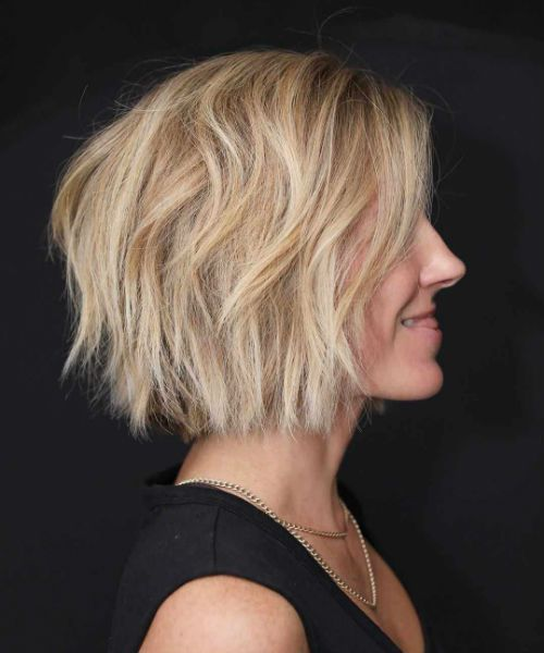 Most Demanded Chin Length Haircuts 2020 For Women To Look Terrific This Summer In 2020 Bobs Haircuts Chin Length Haircuts Best Bob Haircuts