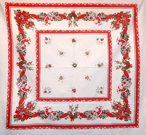 Cute-Vintage-Christmas-Theme-Tablecloth-4-Napkins-Santas-Holding-Signs