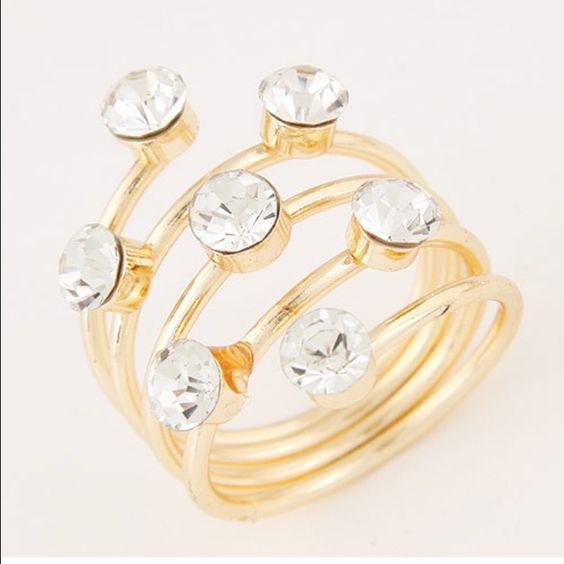 1 left. FREE W ANY $10 PURCHASE  ring Gold tone w rhinestones Jewelry Rings