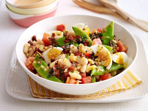 Unser beliebtes Rezept für Bohnen-Tomaten-Salat und mehr als 55.000 weitere kostenlose Rezepte auf LECKER.de.