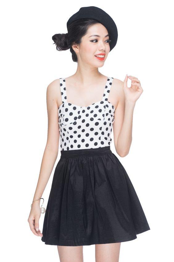 Leigh Fun skirt in black   Megagamie
