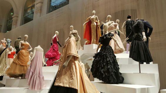 Arts Décoratifs. Exposition Fashion Forwards.