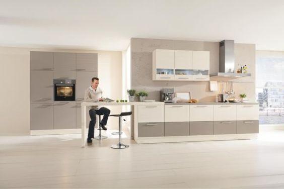 """Die Einbauküche """"Mira"""" von NOVEL bietet kochen und wohnen in stilvollem Ambiente. Leckere Braten, duftende Kuchen und köstliche Suppen bereiten Sie bequem auf den großzügigen Arbeitsplatten zu. Die Arbeitshöhe passen Sie perfekt Ihren Bedürfnissen an. Korpus, Fronten und Griffe wählen Sie Ihrem Geschmack entsprechend aus. Praktisch und komfortabel: Die Inneneinteilung der Küchenmöbel nehmen Sie Ihren Wünschen entsprechend vor. Elektrogeräte, Töpfe, Besteck und Porzellan bringen Sie in"""