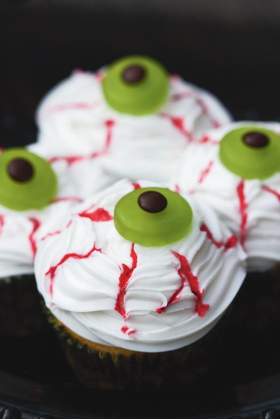 Haunted Halloween Party Tablescape: