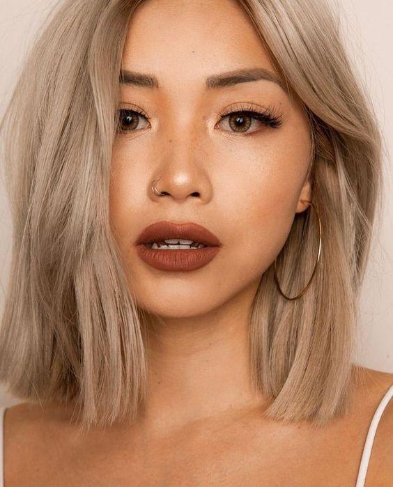 Ash beige blonde blunt lob side swept fringe