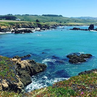 Oh summer, please don't go! • • • • #summer #weekend #california #cali #coast #pacific #travel #traveling #nature #naturelovers #water #ocean #mountains #sky #thatsdarling #instagood #latergram #adventure