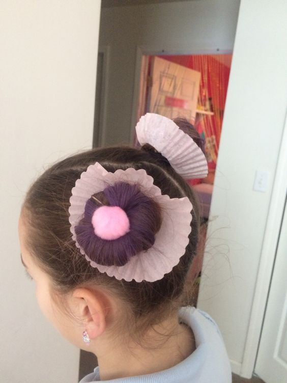 Great cupcake idea for a CRAZY hair day!!!