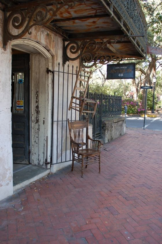 Shopping Is A Girl 39 S Therapy And We Love Antique Shopping Savannah Looks Like A Perfect Place