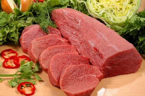 QUÉ SE ENTIENDE POR CARNE MAGRA? -  QUÉ SE ENTIENDE POR CARNE MAGRA? Para determinar que unacarne es magraserá necesario conocer su porcentaje de grasa. Se considera como carne magra todo aquel tipo o corte que contenga menos de 10% de grasa por cada 100 gramos, lo que la convierte en una proteína saludable. Por defecto algunas c...