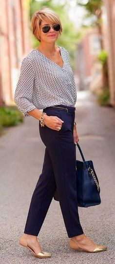 Business Casual Outfits For Women Over 40: