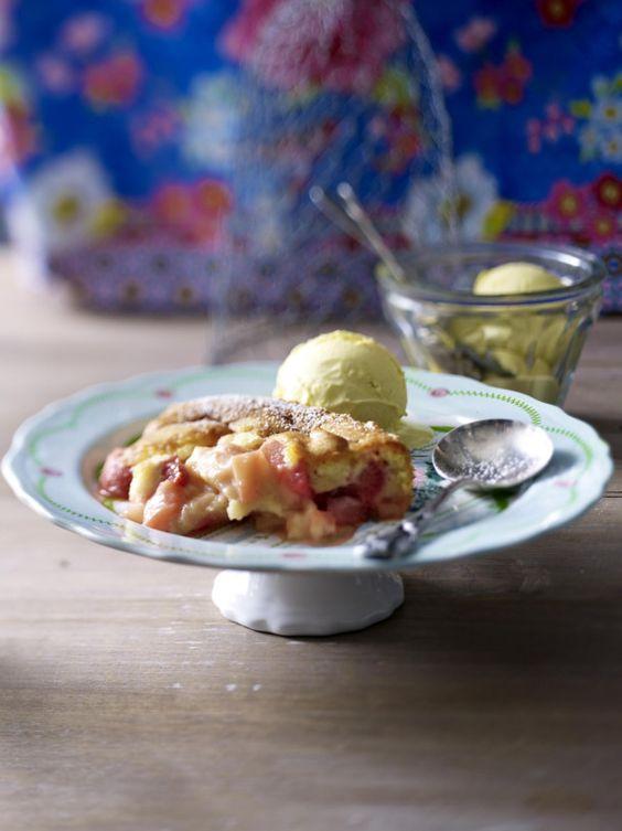 Unser beliebtes Rezept für Fruchtig-süßer Erdbeer-Rhabarber-Cobbler und mehr als 55.000 weitere kostenlose Rezepte auf LECKER.de.