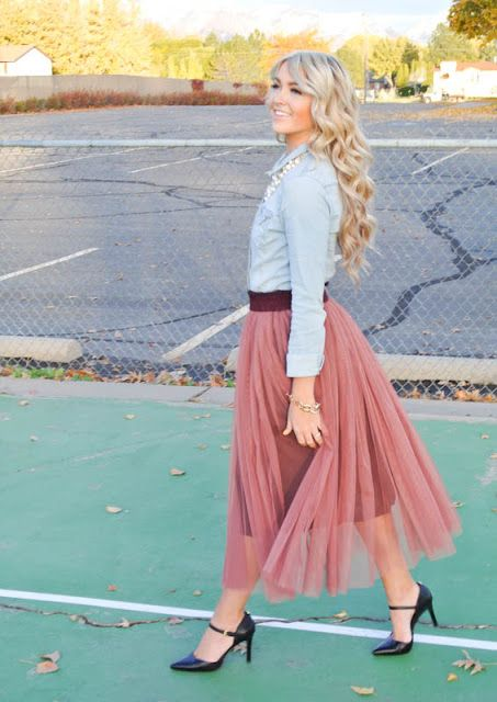 chambray & tulle - I'm pretty sure I could make this skirt. @Carly Robertson a tues/thurs project?