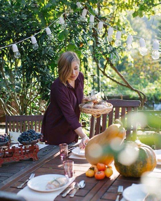 Havalar soğumak bilmiyorken... #food #foodporn #garden #dinner #instagood #fall #vsco #styling #cooklifemag #food52 #mutfakgram #viqli @fidankandemir