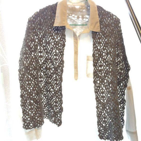 春先に一枚羽織りたい、ベイアルパカの柔らかな手触り。軽くて温かい。小さく畳めるので、一枚持ってお出かけされると便利です。マフラー風にもスヌードみたいに巻いてみ...|ハンドメイド、手作り、手仕事品の通販・販売・購入ならCreema。