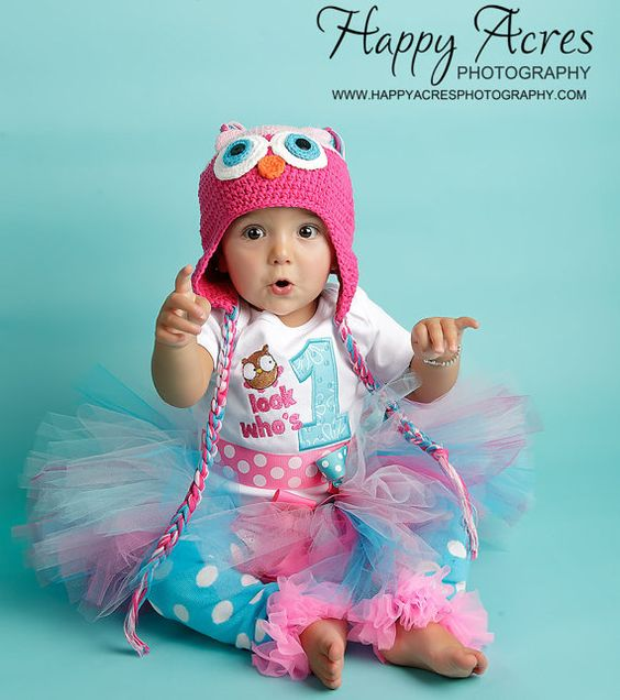 First Birthday Girl Outfit, Owl, Hoot, Bodysuit. $32.50, via Etsy.