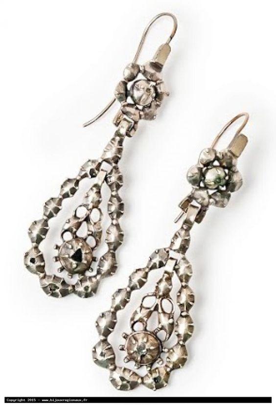 pendants d'oreilles anciennes en or, argent et diamants