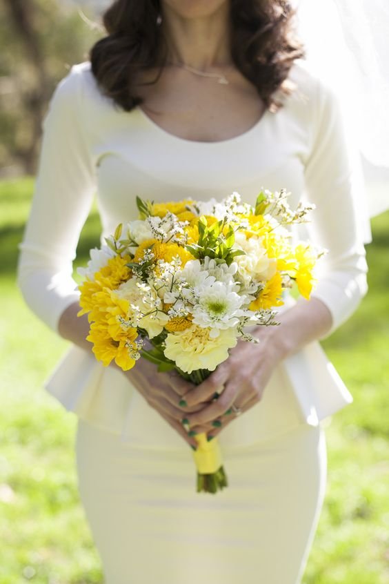 A lovely yellow and white bouquet! Meo Baaklini Photography via On the Go Bride.