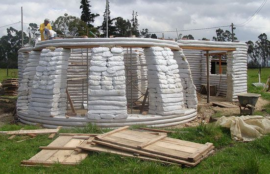 Clube do Concreto: Casa de Earthbag na Colombia com passo a passo