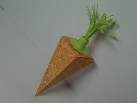Nãosó me apaixonei pela ideia como também pela maneira como foi usada. Neste caso serviu para embalar um presente: enrole uma ou mais notas...