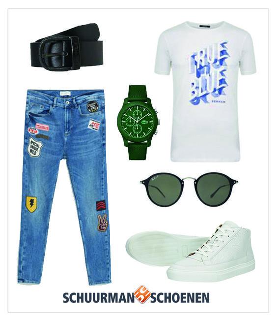 Ook dit najaar dragen de mannen witte sneakers. Deze combineren ze met een stoere spijkerbroek met patches en een makkelijk t-shirt. De exclusieve witte sneakers van BRUUT maken het af. Klik om ze te bekijken in onze webshop!