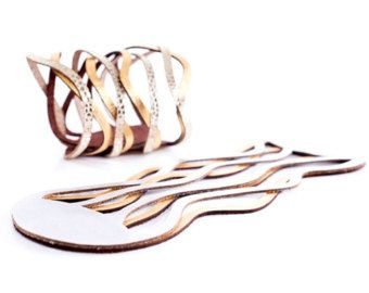 NEW! Iskin Curves Duo Bracelet - Leather - Geometric design - Contemporary Jewelry - Two layers of leather - Laser Cut - Cuff