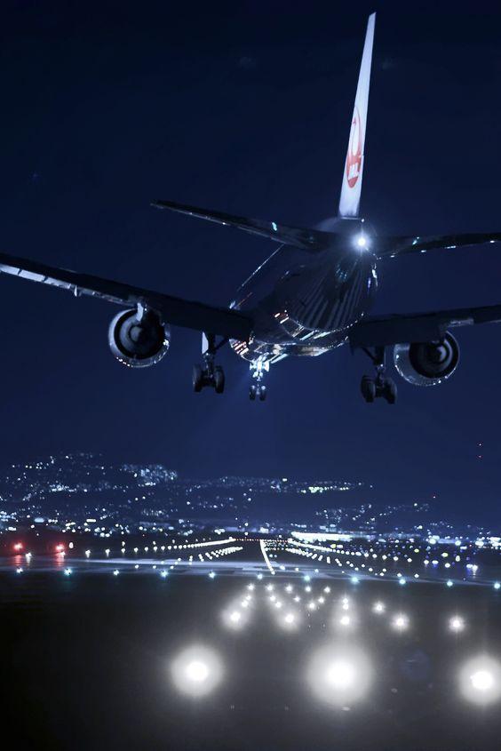 輝く飛行機