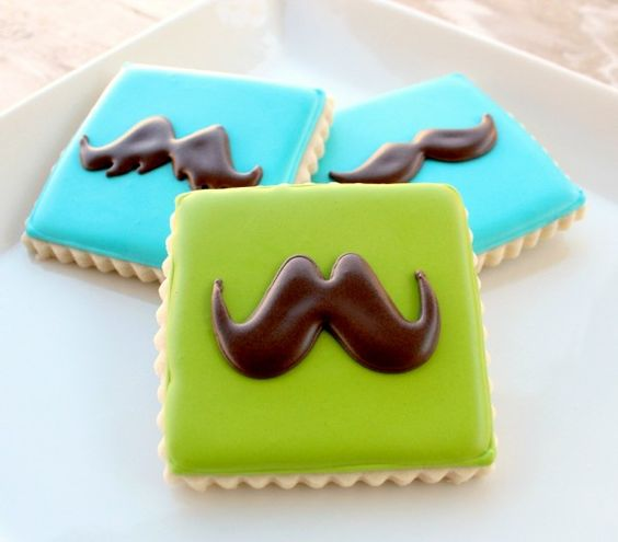 Moustache cookies with picture of templates